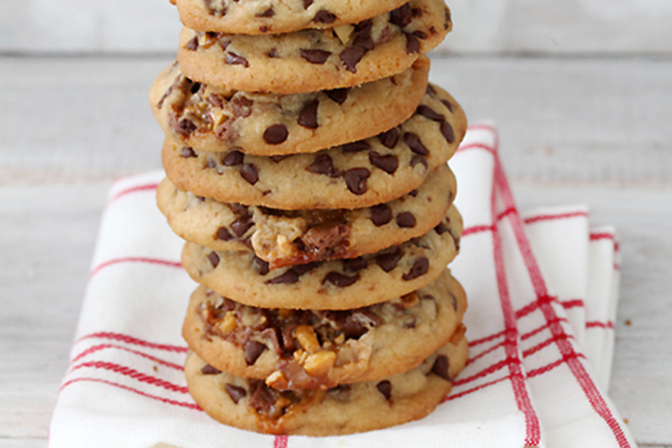 Chewy Chocolate Chip Snickers Cookies