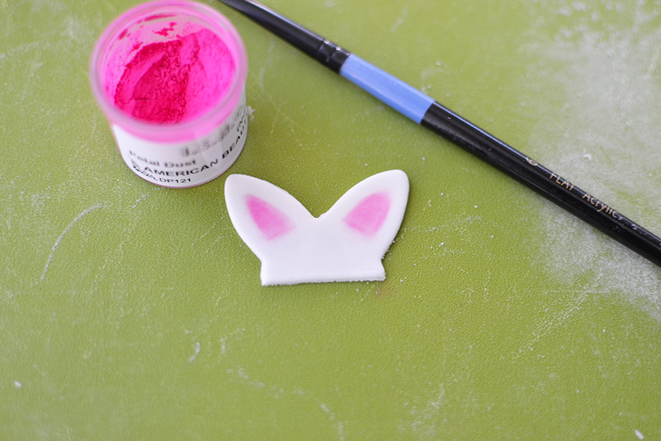 Fondant Bunny Ears Cupcake Toppers Tutorial
