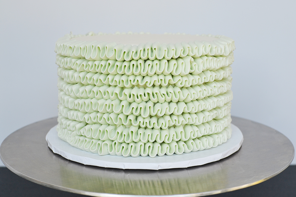 Ribbon Cake Tutorial, Piping With A Petal Tip